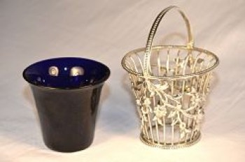A George 111 swing-handle sugar basket