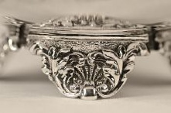 A George 1V matched silver sugar bowl and cream jug,