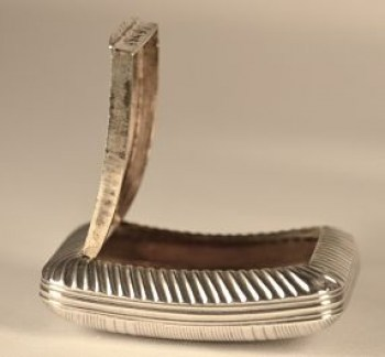 A George 111 silver snuff box