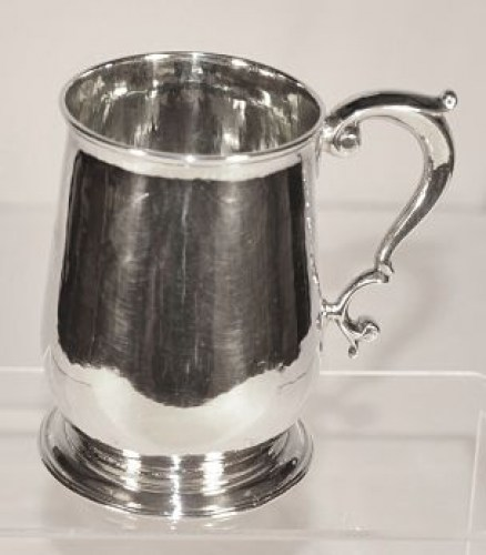 A George 11 sterling silver tankard (pint)