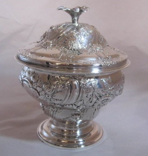 A George 11 silver sugar bowl with cover