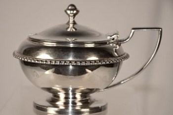 A silver George 111 mustard pot