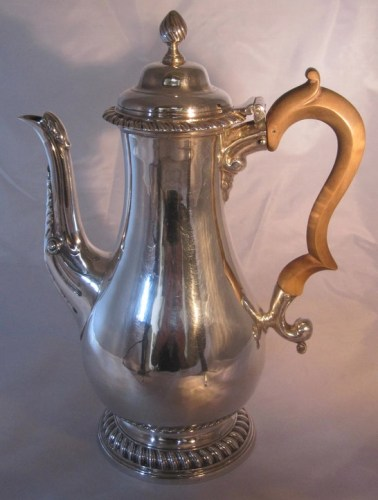 A George 111 silver coffee pot
