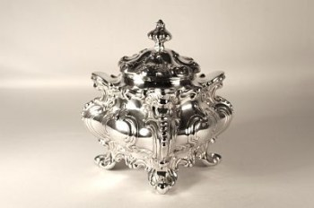 A silver Victorian tea caddy