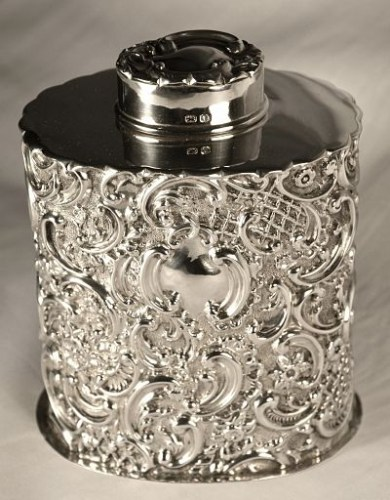 A Victorian antique silver tea caddy
